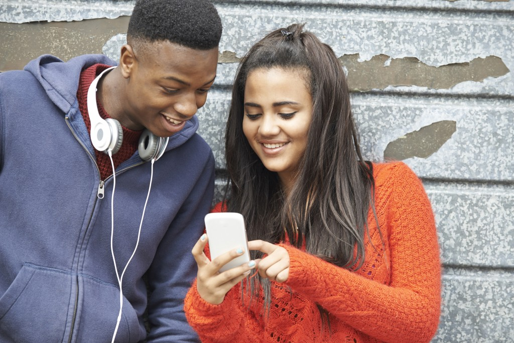 Relationships and Technology - SAVIS Youth